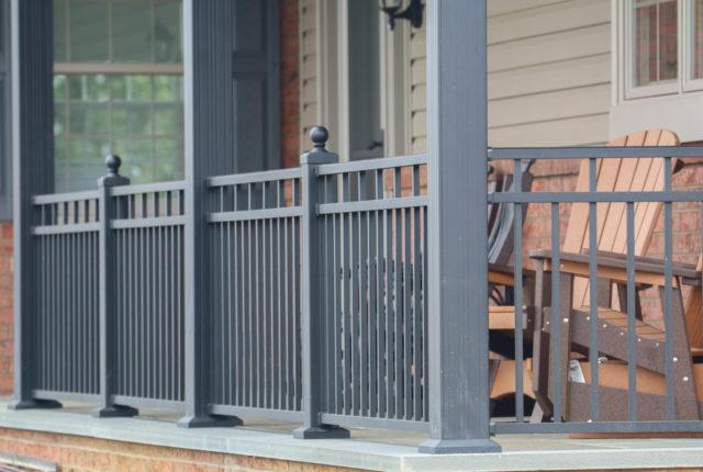 aluminum railing with columns