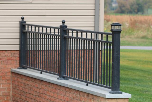 aluminum railing with decorative posts
