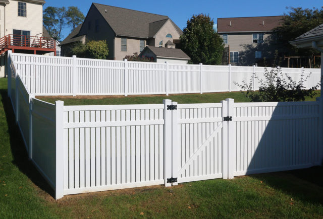 Vinyl Fence Styles Colors How To Find The Right Vinyl Fence