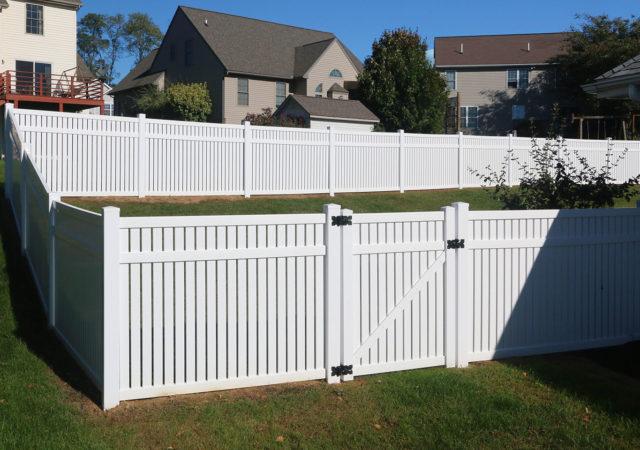 White vinyl backyard fencing in Pittsburgh, PA