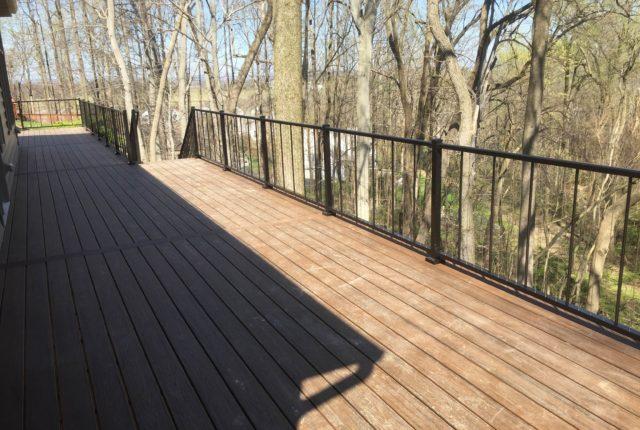 aluminum railing around a pittsburgh pa deck
