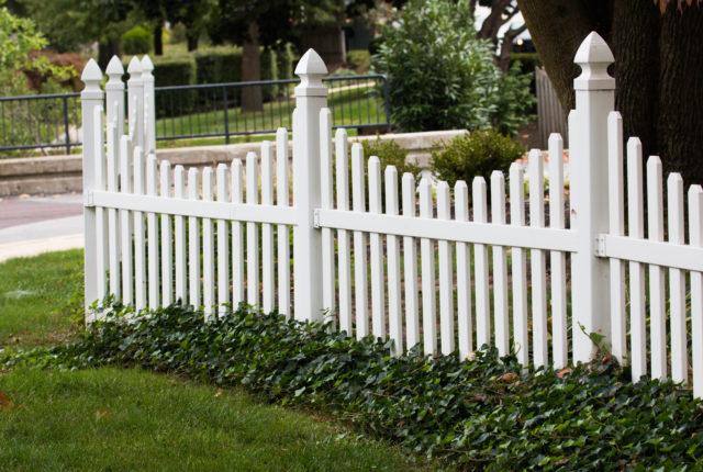 residential vinyl picket fence installation