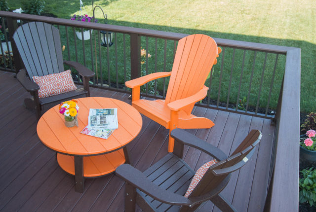 simple and modern deck handrail