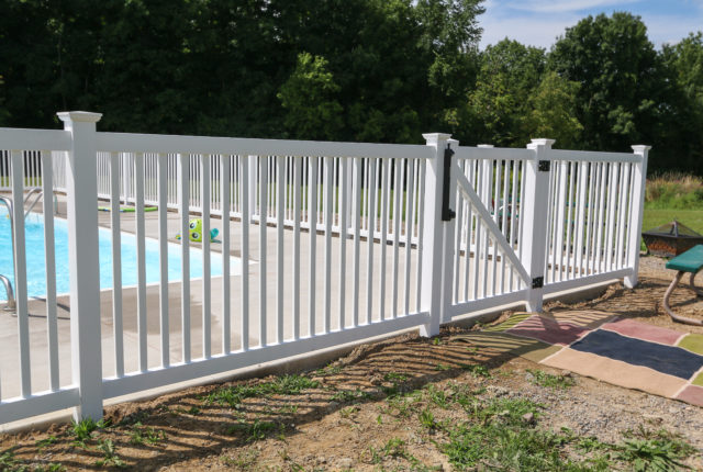 white vinyl pool fencing in Pittsburgh pa