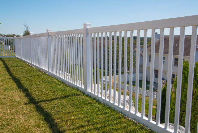 white vinyl fencing in Pittsburgh pa