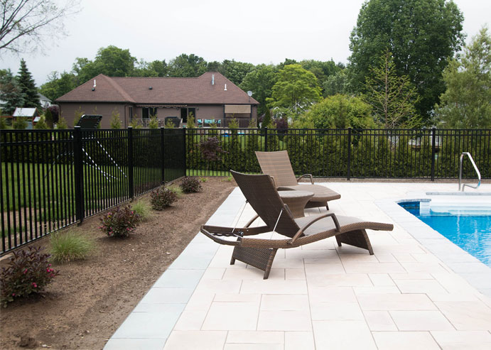 Aluminum pool fence from Pittsburgh PA