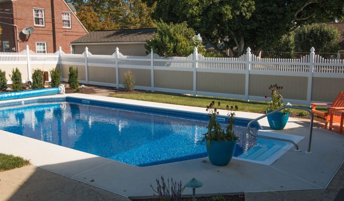 Exploring the Best Pool Fences on the Market
