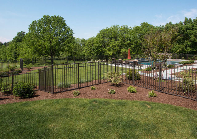 Attractive fence designs for Pittsburgh PA suburbs