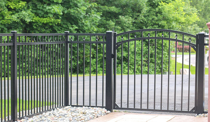 Commercial grade privacy fence in Pitt