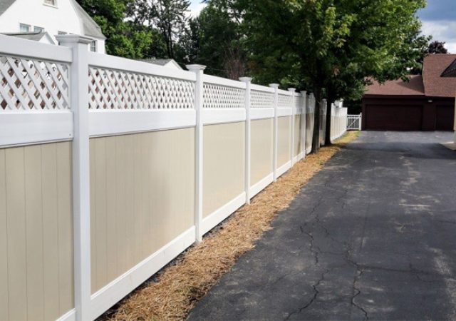 fence builders work on privacy fence
