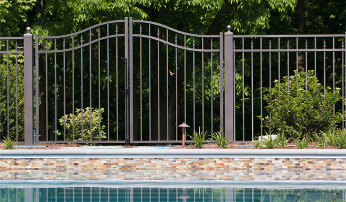 Aluminum pool fence at residency