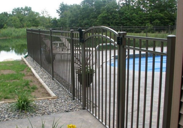 Aluminum fences for pool safety