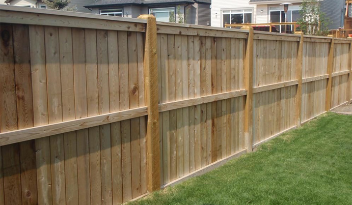 Wood privacy fence in
