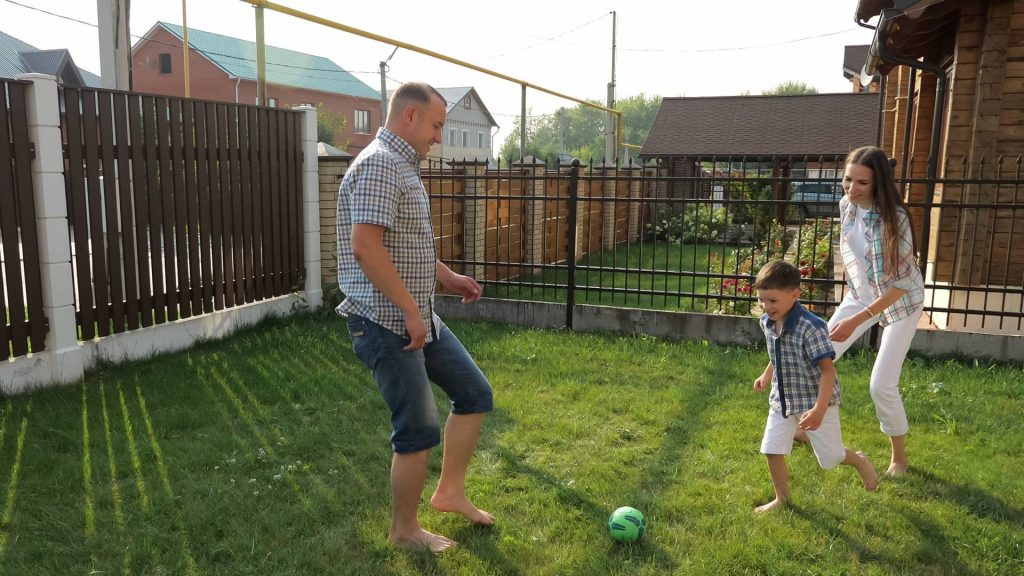 What Makes for the Safest Outdoor Fences for Kids?