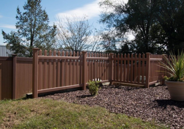 popular-fence-style-brown