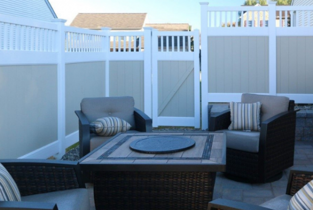 Contemporary Fences: For All Types of Homes