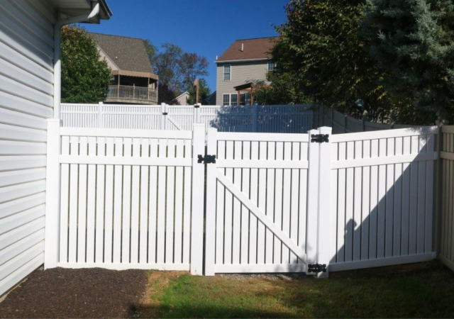Durable white fence for backyard